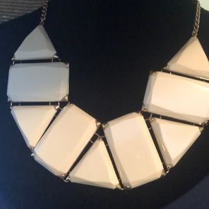 Chunky necklace, Off-white and gold